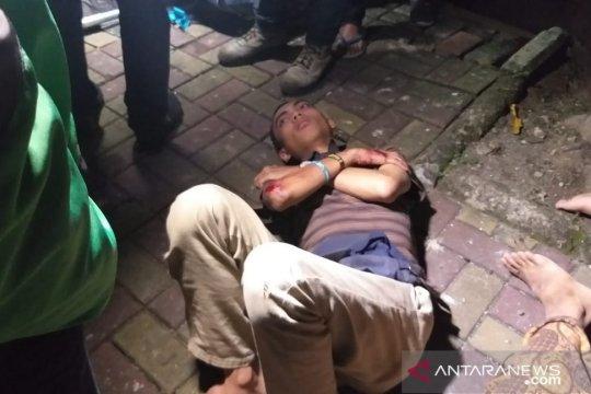 Korban penjambretan Rasuna Said merupakan sahabat dekat