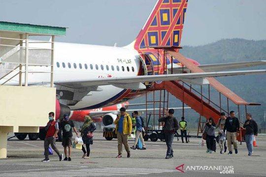 Tiket pesawat luar Jawa seharusnya turun 45 persen, gairahkan wisata