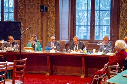Dubes Mahendra Siregar perjuangkan kelapa sawit di Senat Belanda