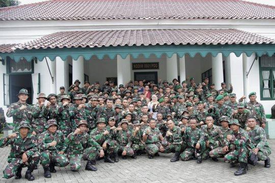 100 prajurit tangguh dibalik pembangunan huntara
