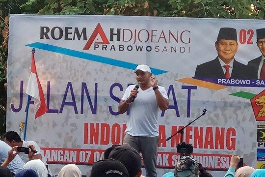 """Relawan """"Roemah Djoeang"""" Capres Prabowo-Sandi gelar jalan sehat"""