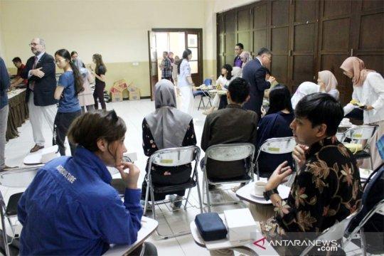 11 mahasiswa asing pelajari ternak di IPB