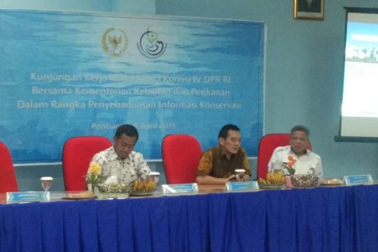 KKP-DPR sosialisasikan konservasi kelautan kepada nelayan Kalbar