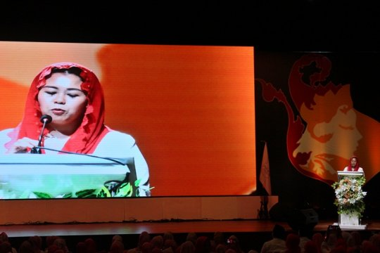 Yenny ajak srikandi pendukung Jokowi-Ma'ruf tebar senyum