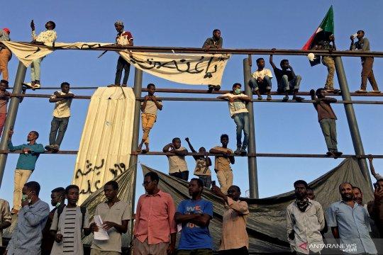 Presiden Sudan Omar al-Bashir meletakkan jabatan