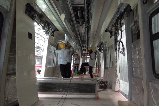 Komisi V DPR RI Kunjungi INKA tinjau pengerjaan LRT