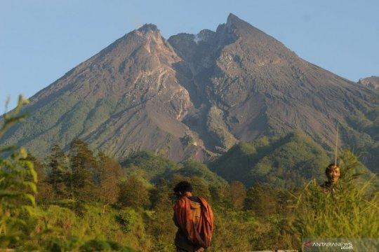 Gunung Merapi alami gempa guguran empat kali