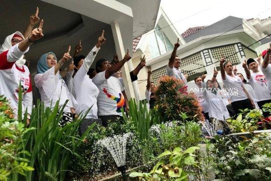 Relawan imbau pendukung Jokowi-Ma'ruf gunakan baju putih di TPS