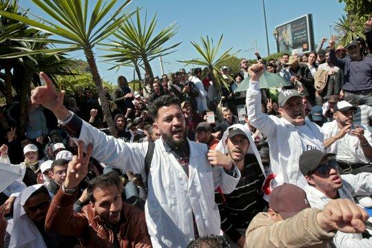 Ratusan guru Maroko tuntut keselamatan kerja