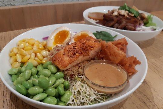 Sabai Sabai, Kokoro, salad bercita rasa Jepang dan Thailand