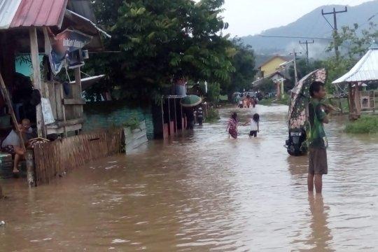 Banjir bandang terjang Brang Rea Sumbawa Barat
