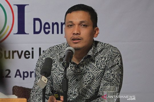 Survei LSI Denny JA: Efek PSBB belum maksimal