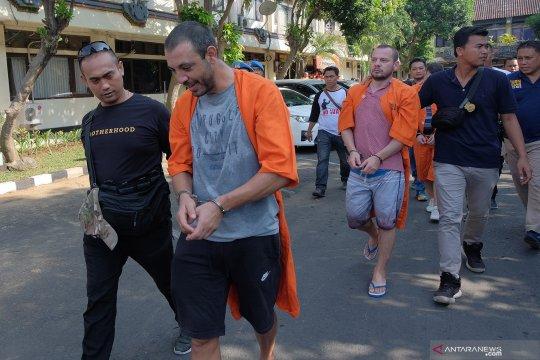 """Warga Bulgaria dituntut  1 tahun penjara dalam kasus """"skimming"""""""