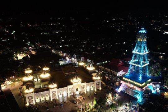 Dukung pariwisata Gorontalo, Panasonic percantik Pakaya Tower Limboto