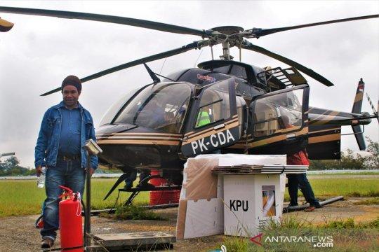 KPU Yalimo distribusi logistik dengan helikopter
