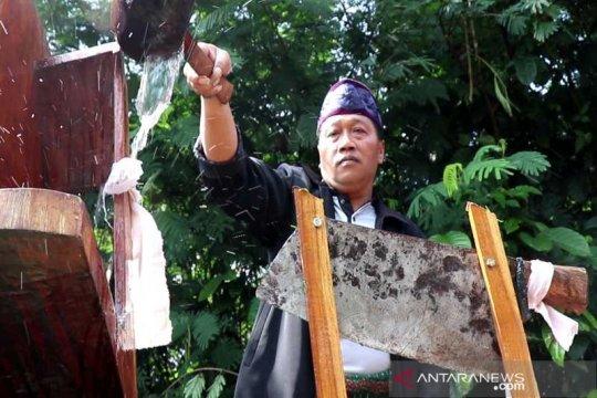 Petani Gunung Sumbing gelar tradisi Jamasan Srobong Gobang