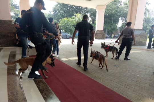 Anjing pelacak dikerahkan sterilkan arena Debat Capres