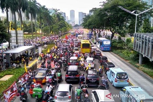 Lalin Sudirman-Semanggi padat merayap jelang kampanye Jokowi-Ma'ruf
