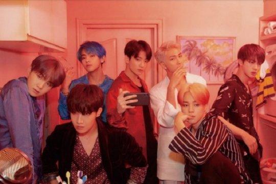 "Cetak sejarah baru, video musik ""DNA"" BTS ditonton 700 juta kali"