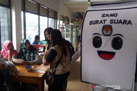 """KPU Banyumas """"Grebeg Pasar"""" sosialisasikan Pemilu serentak 2019"""