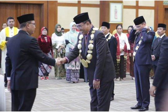 Prof Jampel dilantik sebagai  Rektor Undiksha