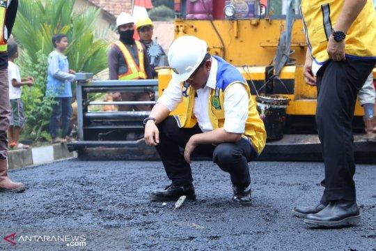 Penggunaan aspal karet di Musi Banyuasin serap 8,49 ton karet rakyat