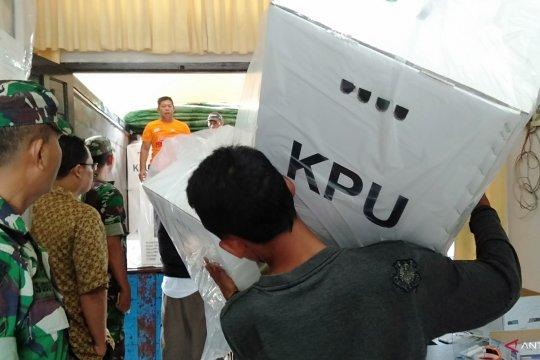 KPU Singkawang Distribusikan Logistik Ke PPK