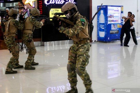 Pengamanan Bandara Juanda diperketat pasca bom bunuh diri di Medan