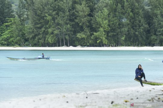 Cuaca jadi pertimbangan warga Pulau Buru mudik dengan feri