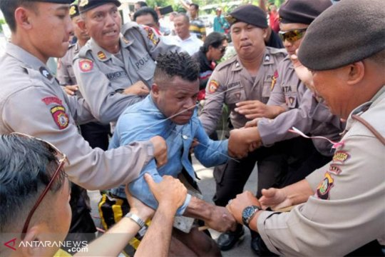 Polresta Denpasar bubarkan aksi ajak masyarakat untuk golput