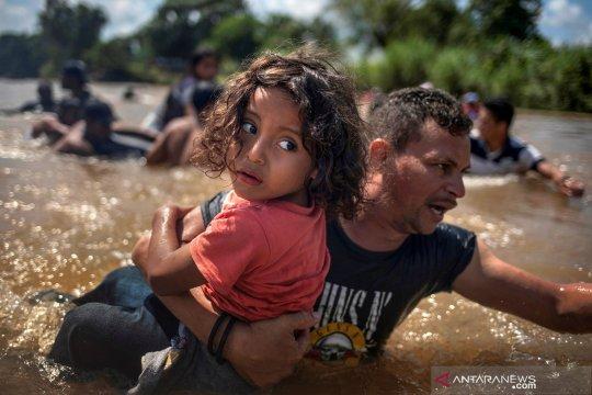 Bosnia tangkap sembilan tersangka penyelundup 140 migran
