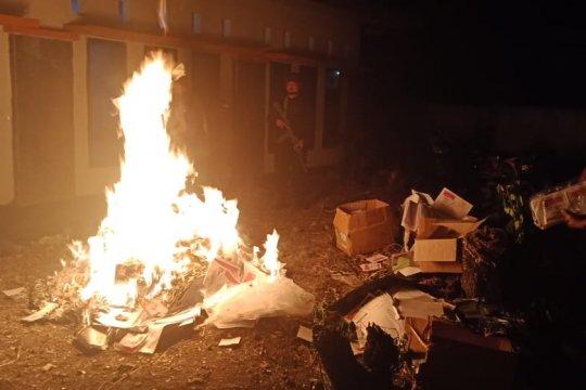 KPU Makassar bakar 19.454 surat suara rusak
