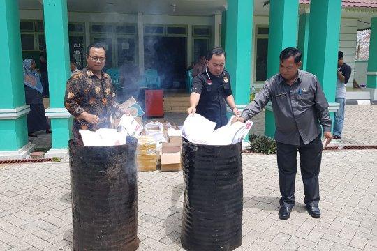 KPU Kota Pontianak musnahkan surat suara rusak 15.033 lembar
