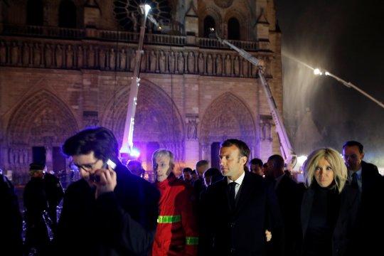 Warga AS mulai penggalangan dana untuk Notre-Dame
