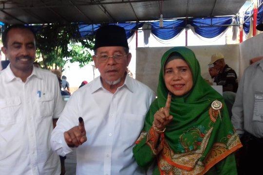 Gubernur Malut gunakan hak pilihnya di Ternate