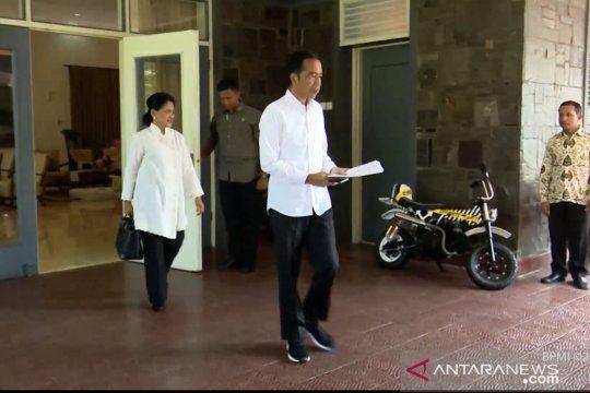 Jokowi pakai baju putih berangkat dari Istana Bogor ke TPS