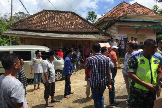 Polres Sampang terjunkan pasukan Brimob ke lokasi penembakan