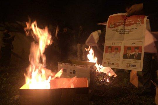 Ribuan surat suara rusak dimusnahkan di Tasikmalaya