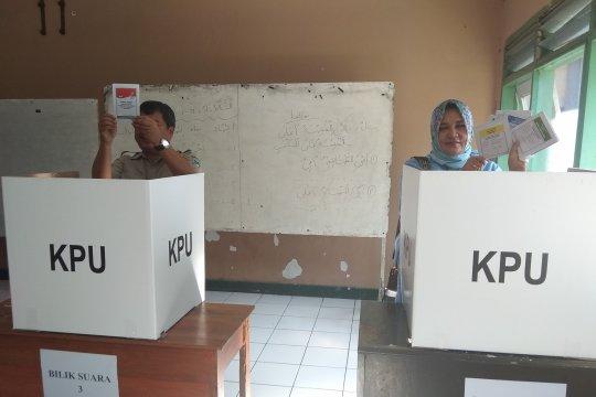 Bupati Garut kader Gerindra pilih istrinya caleg Nasdem