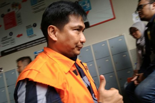 Bowo Sidik sempat acungkan jempol usai mencoblos