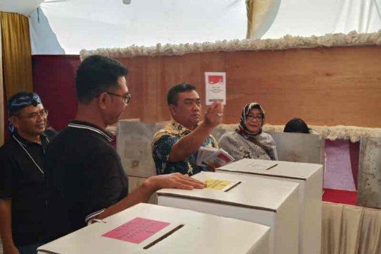Di TPS Wali Kota Cirebon, Prabowo-Sandi unggul