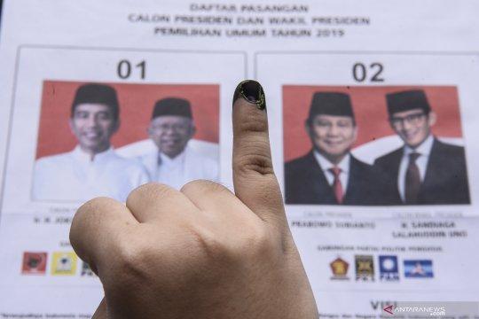 Jokowi-KH Ma'ruf Amin kalah di TPS gubernur Riau mencoblos