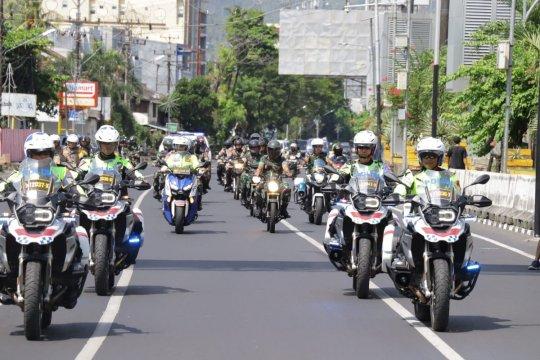 Kapolda - Pejabat TNI di Sulut patroli bersama