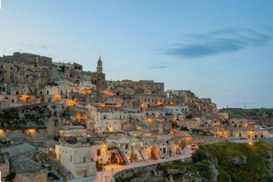 Maskapai AS wajibkan tes COVID pada rute Italia