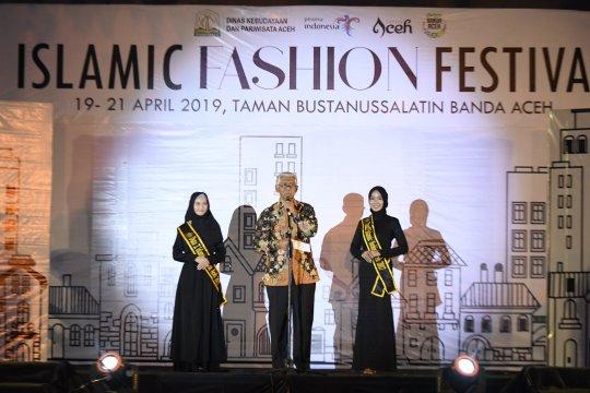 Desainer Aceh diminta kembangkan fesyen berkarakter lokal