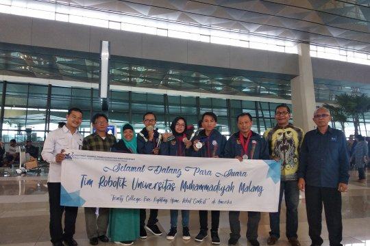 Robot kecil hantarkan tim Indonesia juara dunia