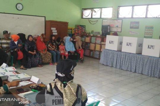 Tiga petugas pemungutan suara di Sukabumi meninggal