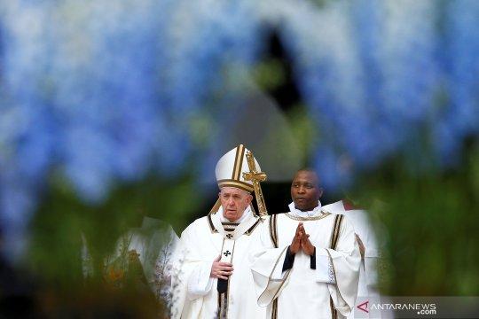 Paus Fransiskus pimpin Misa Paskah di St. Peter's Square, Vatikan