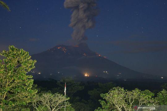 Gunung Agung erupsi kembali