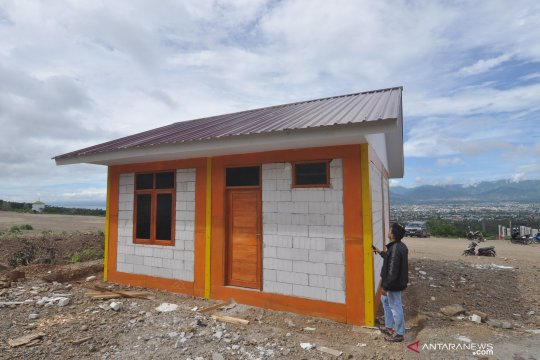 Contoh bangunan hunian tetap bagi korban bencana alam di Palu